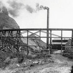 The Kohala Sugar Mill and its wooden flume in the early 1900s