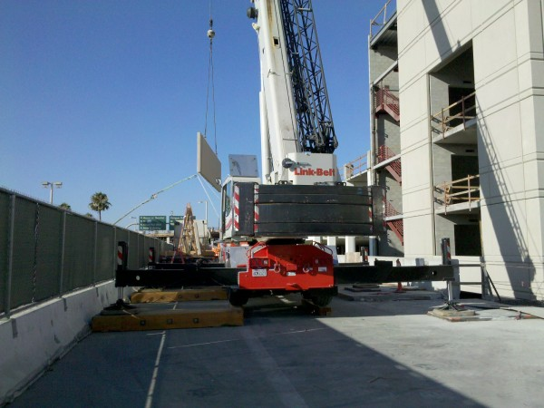 Hanging Stair 1 from the elevated roadway.  90 Ton hydro with full cou...