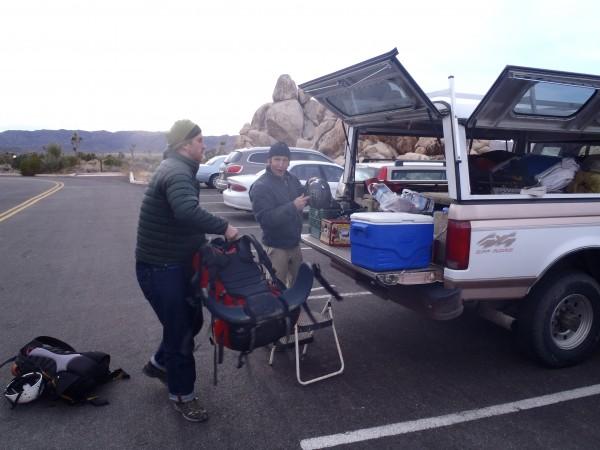 Seth and Tom unload.