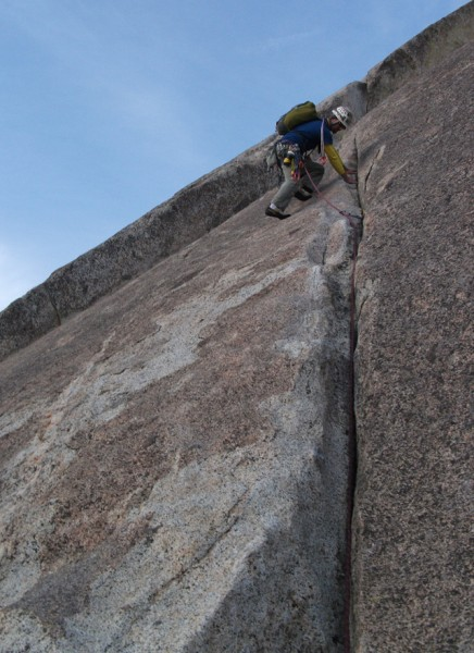 "Slater about to run into ""The Move"" on the Tollhouse Traverse (pitch 3..."