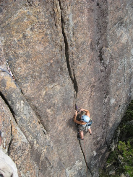 Fun Country, 5.10-, Barkeater Cliffs