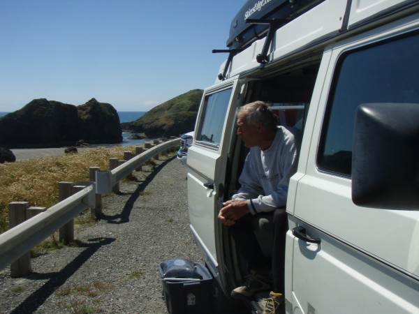 Victor the Inflicter in his Syncro checking out the surf on the Oregon...