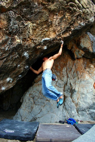 Kevin Jorgeson sticks a big move in the Marshall Gulch Cave - BAB