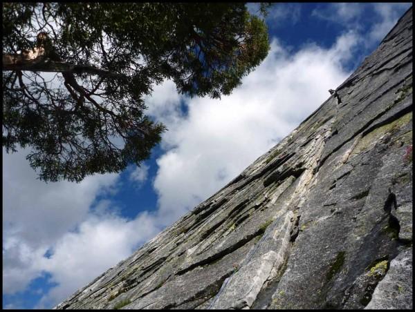 Climber approaching 2nd belay on Knapsack Crack