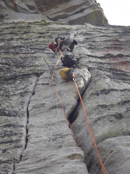 How to bring packs through the OW section of Traveler Buttress. This e...