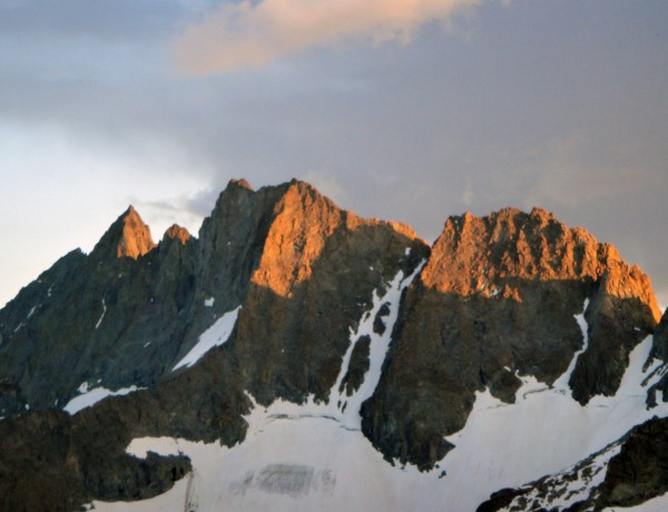 Middle Palisade, Norman Clyde Pk, &amp; Mt Williams at sunset (left to rig...
