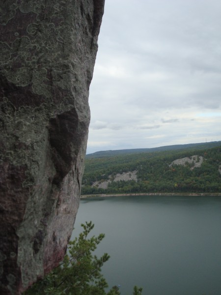 Devils Lake, Prospect Point Rampart above Lost Face